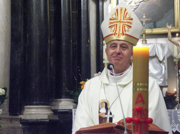 Zdjęcia z katalogu: Biskup Jan Piotrowski z wizytą na Grodzisku